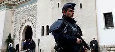 Dans les heures qui ont suivi l'attentat dans les locaux du magazine satirique, plusieurs Français et lieux de cultes musulmans ont été la cible d'attaques. Depuis l'attentat meurtrier perpétré contre Charlie Hebdo, mercredi 7 janvier au matin, les actes...