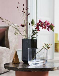H&M Home : notre sélection déco à moins de 40 € - Elle Décoration Vase Arrangements, Vase Centerpieces, Vases Decor, Flower Arrangement, Vase Design, Decoration Design, Grand Vase En Verre, Tall Glass Vases, Large Vases