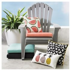 Jazz up your patio or deck while you make it even more relaxing by tossing an Room Essentials Black & White Modern Vees print with yellow Trim Indoor/Outdoor  Pillow on your outdoor furniture. Fade-resistant, weather resistant 100% polyester fabric makes this throw pillow durable; 100% polyester stuffing keeps its shape.