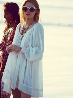 Boho chic tunic cover up for the beach, so modern hippie-esque. For the BEST Bohemian fashion trends for 2015 FOLLOW http://www.pinterest.com/happygolicky/the-best-boho-chic-fashion-bohemian-jewelry-gypsy-/ now.