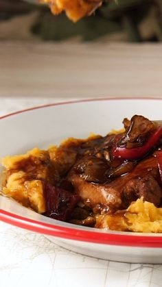 Llegar a casa y regalarte este manjar, ¿por qué no? Pork Recipes, Mexican Food Recipes, Vegetarian Recipes, Dinner Recipes, Cooking Recipes, Healthy Recipes, Oxtail Recipes, Cooking Ideas, Food Porn