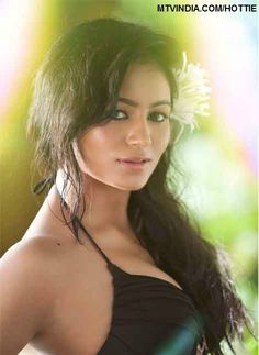 Hottie of the Day - Pooja