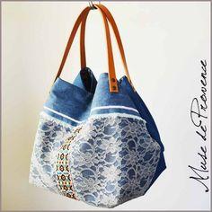 Sac cabas en dentelle, jean et cuir ARLES | Muse de Provence Creative Shoes, Denim Crafts, Denim Bag, Fabric Bags, Gym Bag, Textiles, Handbags, Tote Bag, Boutique