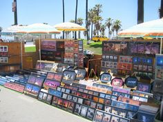 A vendor selling palm tree photos at the Venice Beach Boardwalk. Beach Boardwalk, Photo Tree, Venice Beach, Palm Trees, California, Photos, Travel, Palm Plants, Pictures