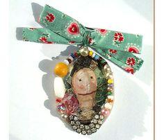 "Julie Arkell - ""Dear Friend"" brooch, made of found objects"