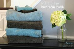 Do you wish your towels smelled fresh and were soft once again? It may be time to refresh your towels. Trust me, you will be so glad you did! #cleaning #towels #bathroom