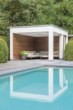 If you are a happy owner of a pool, build a deck or a pool cabana to spend time even better by the pool. What's the advantage of a cabana or pergola? Pergola With Roof, Backyard Pergola, Outdoor Pergola, Modern Pergola, Covered Pergola, Black Pergola, Rustic Pergola, Curved Pergola, Backyard House