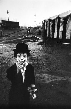 "I have a postcard of this image that reads: ""Jimmy Armstrong The Clown, Clyde Beatty Circus, This photograph is by Bruce Davidson. However, on the Metropolitan Museum of Art website Davidson's photograph is labeled, ""Clown and Circus Tent. Vintage Bizarre, Creepy Vintage, Gruseliger Clown, Creepy Clown, Circus Clown, Creepy Circus, Circus City, Clown Photos, Creepy Halloween Costumes"