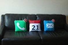 42 Techtastic Pillows - From Comfy Cellular Cushions to Portable Pillow Music (CLUSTER)