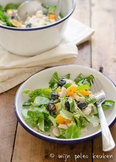 Verrassende kip-kerrie salade met mandarijntjes en blauwe bessen