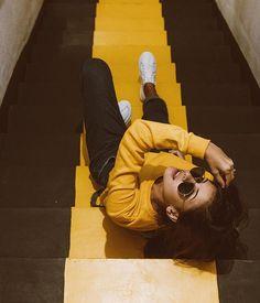 Foto para fazer na escada de incêndio do seu prédio, hahaha. Se joga, mulher. Instagram: @Viihrocha