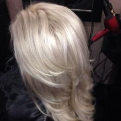 FORMULA HOW-TO: Level 7 Roots to Shiny, Silver Blonde | Modern Salon