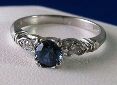 Sapphire – 5th Anniversary gemstone (vintage ring)