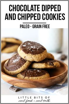 These chocolate dipped and chipped cookies are paleo, grain free, refined sugar free and so delicious! from David Runners Blueprint http. Paleo Chocolate Chip Cookie Recipe, Paleo Cookies, Gluten Free Cookies, Gluten Free Baking, Paleo Baking, Paleo Dessert, Healthy Dessert Recipes, Real Food Recipes, Breakfast Recipes