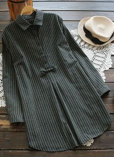 We already know you are going to be loving this stripe print dress! this high low dress is also perfectly classic! Hijab Casual, Hijab Chic, Kurta Designs, Blouse Designs, Curvy Outfits, Casual Outfits, Hijab Fashion, Fashion Dresses, Japanese Outfits