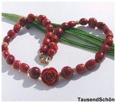 romantische Kette  aus Schaumkoralle  mit Rose,  paßt zu modern  wie zum Dirndl