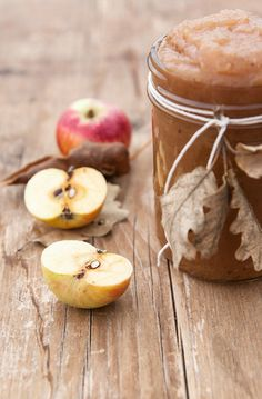 Great idea for homemade applesauce packaging . Apple Harvest, Fall Harvest, Apple Orchard, Fresh Apples, Apple Butter, The Best, Food Photography, Food Porn, Blade