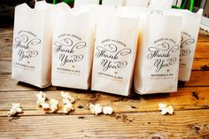 Bruiloft gunst Popcorn tassen - dank u Swirl Pop - aangepaste namen en datum - 25 zakken van Popcorn in elke verpakking