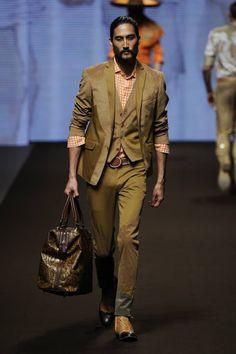 etro men runway | Kean Etro with his son Joyce, Etro Man Spring Summer 2014 Fashion Show