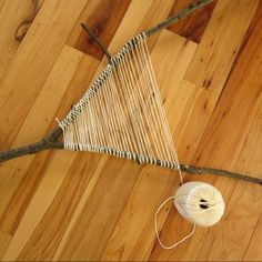 branch weaving tutorial / branch weaving tutorial + branch weaving tutorial how to make + branch weaving tutorial free pattern + branch weaving tutorial wall hangings Weaving Textiles, Weaving Art, Tapestry Weaving, Loom Weaving, Hand Weaving, Willow Weaving, Basket Weaving, Yarn Bombing, Weaving Projects