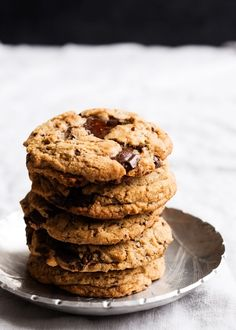 These dark chocolate chip cookies with pecans have crisp edges, chewy centres, and toasted pecans and dark chocolate in every bite.
