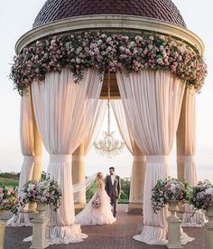 """2,754 Likes, 34 Comments - Lynda Correa (@storybook_bliss) on Instagram: """"Love this! favorite pic by event planner @detailsjeannie #wedding #wesdingbliss #weddingseason…"""""""