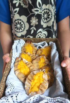 GLUT porkkana-hirssipiirakat Food Decoration, No Bake Desserts, Oven, Baking, Patisserie, Bakken, Bread, Backen, Sweets