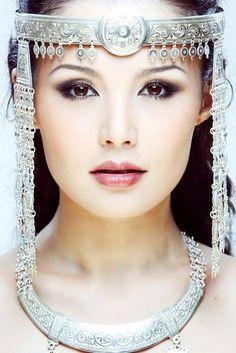 "world-ethnic-beauty: "" "" Beautiful Eyes, Most Beautiful Women, Beautiful People, Georges Chakra, Empire Style, Folk Costume, Costumes, People Of The World, World Cultures"