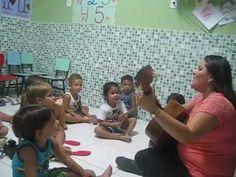 Mônica Coropos - MUSICALIZANDO COM ALEGRIA na CRECHE HARMONIA - Sensibil...