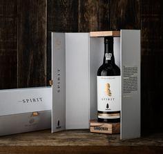 The Sandeman anniversary wine branding & packaging - Grits & Grids® Luxury Packaging, Beverage Packaging, Bottle Packaging, Brand Packaging, Design Packaging, Wine Brands, Wine Bottle Labels, Alcohol Gifts, Wine And Spirits