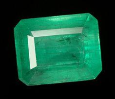Emerald Information - Vivid green gemstones of unequaled quality Emerald Pendant, Emerald Gemstone, Emerald Earrings, Emerald Jewelry, Gems Jewelry, Gemstone Colors, Zambian Emerald, Emerald Diamond, Fine Jewelry