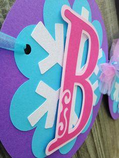 Frozen Happy Birthday Banner with Glitter por CutieBugShop en Etsy