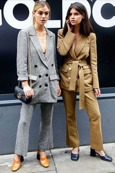 Blazers : Joanna and Sarah Halpin at London Fashion Week wearing suits Asos Fashion, Trendy Fashion, Fashion News, Winter Fashion, Womens Fashion, Fashion Beauty, Style Fashion, Fashion Mode, Blazer Fashion