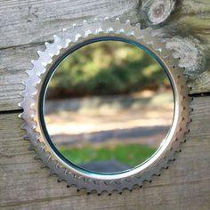 Fahrrad Zahnräder eignen sich als Rahmen für einen Spiegel