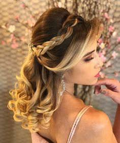 Ideas Hairstyles Party Curls Hair Tutorials For 2019 - Hair Styles Party Hairstyles For Long Hair, Quince Hairstyles, Face Shape Hairstyles, Curled Hairstyles, Braided Hairstyles, Cool Hairstyles, Curls For Long Hair, Curls Hair, Hair Curling Tutorial