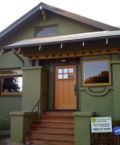 Ideas Exterior Paint Stucco Craftsman Style For 2019 Best Exterior House Paint, Exterior Siding Colors, Exterior Wall Design, Exterior House Siding, Exterior Paint Schemes, Stucco Homes, Stucco Colors, House Exteriors, Craftsman Style Exterior