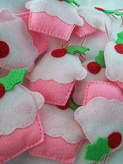 Cupcake ornaments. #Felt