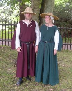 Man's and woman's outift based on the French mid 13th century manuscript known as the Maciejowski Bible 16th century silk Italian dress By Fru Aleydis/Eva Andersson