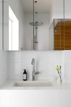 Bo LKV Narrow Bathroom, Modern Bathroom, Interior Styling, Interior Decorating, Timber Slats, Teak Furniture, Family Bathroom, Bathroom Cabinets, Scandinavian Interior