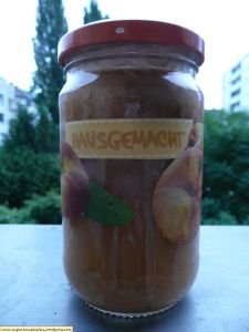 Pear jam with coconut and mint