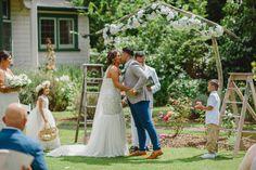 First kiss | Astra bride Sammy | Christina Rossi 4178 | Tatum Park Wedding | Sanele Chadwick Photography and Saint Andrew Photography