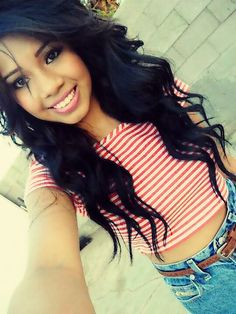 Love her hair but who is this girl? I just love her hair I really want to know her hair care routine. Love Hair, Gorgeous Hair, Bad Hair Day, Curled Hairstyles, Pretty Hairstyles, Mexican Hairstyles, Bride Hairstyles, Hispanic Girls, Girly