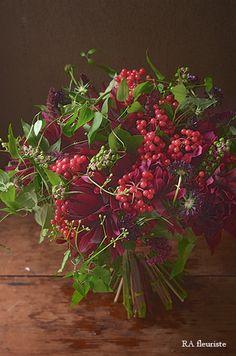 Flower Arrangement Designs, Ikebana Flower Arrangement, Beautiful Flower Arrangements, Flower Designs, Floral Arrangements, Very Beautiful Flowers, Romantic Flowers, Fall Bouquets, Floral Bouquets