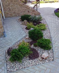 35 Popular Xeriscape Landscape Ideas For Your Front Yard Front Yard Landscaping, Backyard Landscaping, Landscaping Ideas, Garden Yard Ideas, Xeriscaping, Garden Landscape Design, Back Gardens, Big Planters, Cinder Blocks