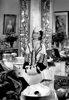 """summers-in-hollywood: """"Vivien Leigh as Scarlett O'Hara in Gone with the Wind, 1939 """" Old Hollywood Movies, Hollywood Dress, Classic Hollywood, In Hollywood, Go To Movies, Old Movies, Great Movies, Scarlett O'hara, Fangirl Problems"""