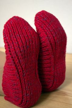 Slippers Hand knitted with wooden buttons red by CozyCappuccino