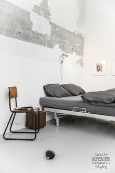 Find out all photos and details of Private LOFT, Netherlands on Archilovers. Browse the complete collection of pictures and design drawings Industrial Bedroom, Industrial Loft, Industrial Apartment, Industrial Living, Industrial Design, Industrial Wallpaper, Industrial Bookshelf, Industrial Windows, White Industrial