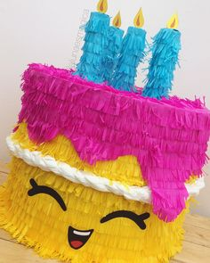 Piñata @lalunaesmagica · Piñata de Shopkins