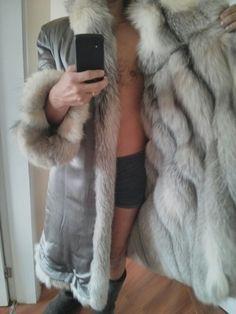 Love the inside Shearling Coat, Fur Coat, Fur Lined Coat, Mens Fur, Good Looking Men, Fur Collars, Men's Collection, Parka, How To Look Better