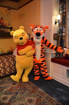 Disney Winnie the Pooh and Tigger in Christopher Robin's bedroom Walt Disney, Disney Love, Disney Magic, Disney Parks, Disney Pixar, Winnie The Pooh Friends, Disney Winnie The Pooh, Eeyore, Tigger